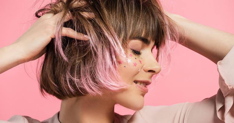 Da li se usuđuješ da isprobaš neke od ovih 10 ludih trendy frizura za leto 2018?