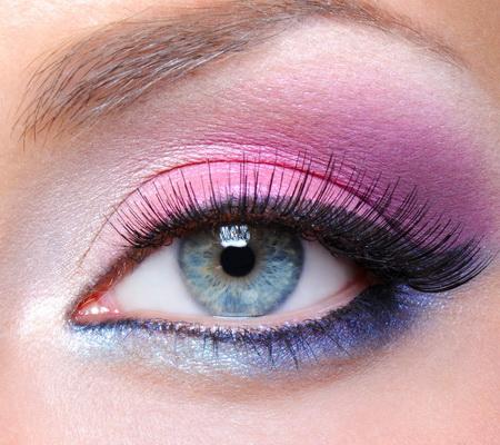 roze-ljubicasta-i-plava-senka-za-oci-09