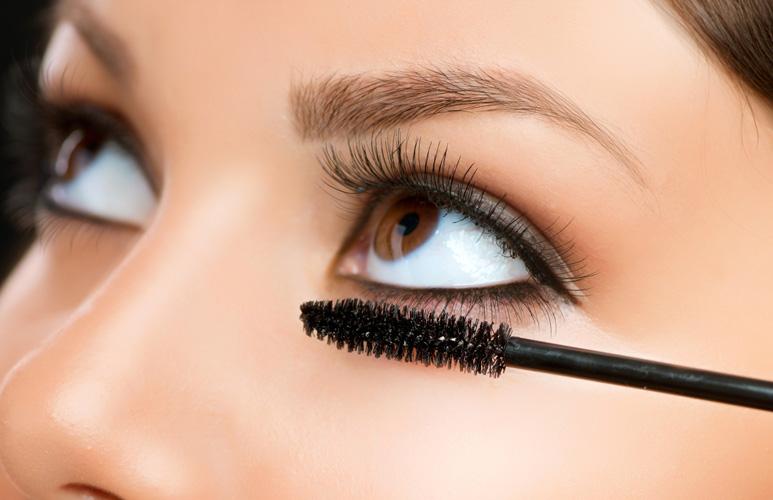 kako istaći oči šminkom - maskara